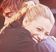 Day 16 – A scene that makes you happy  3x10 Nate and Serena in the park. it always makes me smile.