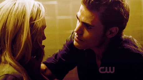 hari 8 – Your favorit AU couple Stefan and Caroline