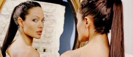 [b]Day Seven: An Actress Who Reminds anda Of Yourself[/b] Angelina Jolie. Not so much personality wis