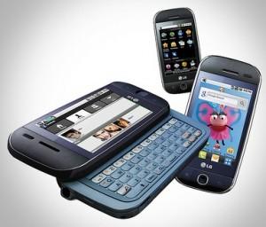 I HAZ A NEW PHONE :D  [i]look at it. look at my pretty...[/i]