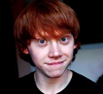 he also looks like ron weasley!