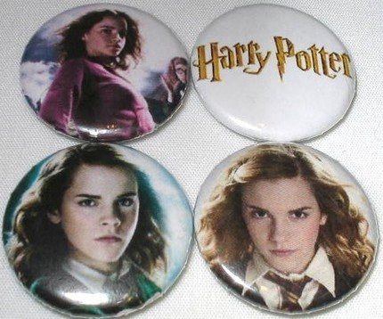 she looks like the girl in ballet shoes lol probably isnt though hermione badges