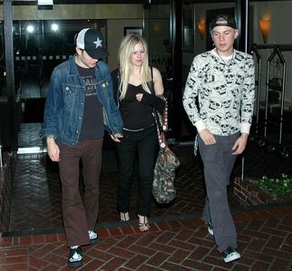 here it is :) i want a pic of avril shopping with brody's mother :P