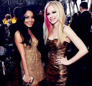 ok this is Avril with vanessa hudgens umm... i want a pic of Avril with her family