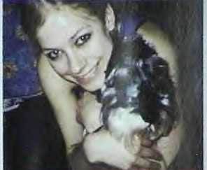 this is the pic of avril with her dog sam