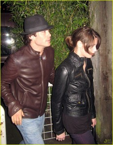 with ian somerhalder X_X this picture...... not a really good one, but have te seen this guy?? HOT