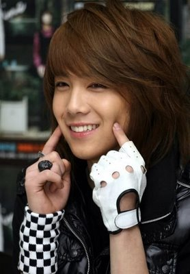i upendo them all but i have to say that hong ki is the cutest one with his adorable smile