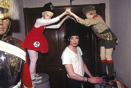 :) Here Beutiful Michael  in Neverland <3