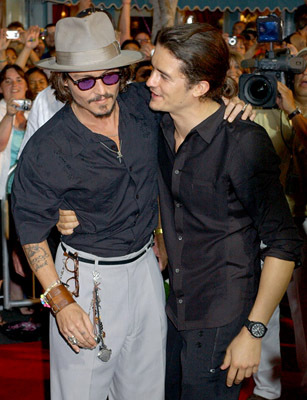 Here:)<br /> It&#39;s from the premiere of Dead Man&#39;s Chest :)<br /> <br /> next:Johnny with his dad *_*