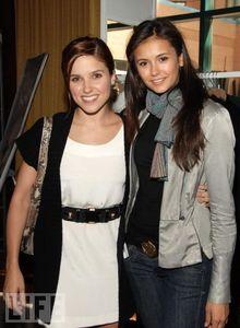 36: Nina @ 2009 Scream Awards