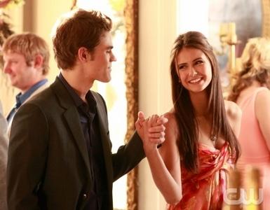 19: Stefan & Elena @ the grill
