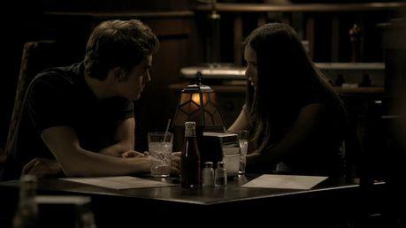 43. Stefan&Elena - forehead kiss xD