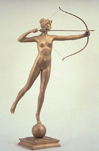 THE NAKED STATUE WITH A BOW AND Arrow SEAN SAW IN THE HOUSE