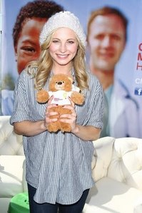Too cute♥<br /> 158: Candice sitting down