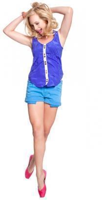 197: Candice wearing something spotty :)