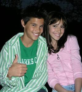 Taylor and Alyson Stoner (not a cheaper Von the dozen pic)