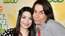 http://www.nick.com/kids-choice-awards/quizzes/kca-2011-what-is-your-paparazzi-pose-quiz.html YOU'RE