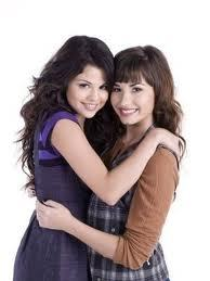 Demi with Taylor Swift