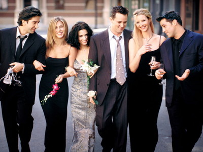 hola guys! So i'm gonna put up on my bedroom muro a GIANT picture of F.R.I.E.N.D.S! Gonna get it fram