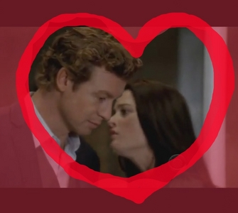 Hi, maybe ur same as me, Lisbon and Jane look so cute as couple. And I l'amour the ambiance, how they L