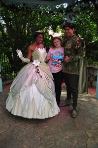 I actually meet them at disney World last ano when I went to disney World.Here's me meeting them.Nav