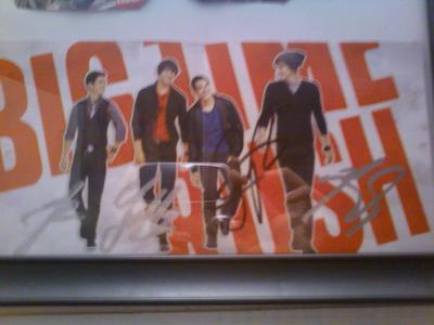 This is there autographs.....there real not fake. I had to wait 4 hours in line to meet them, it was