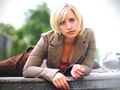 tv-female-characters - Chloe Sullivan - Smallville wallpaper