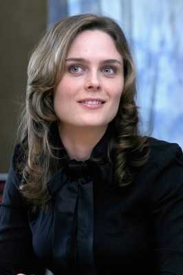 Emily Deschanel photo
