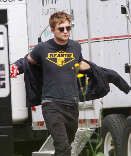 """Rob Visits """"On The Road"""" Set"""
