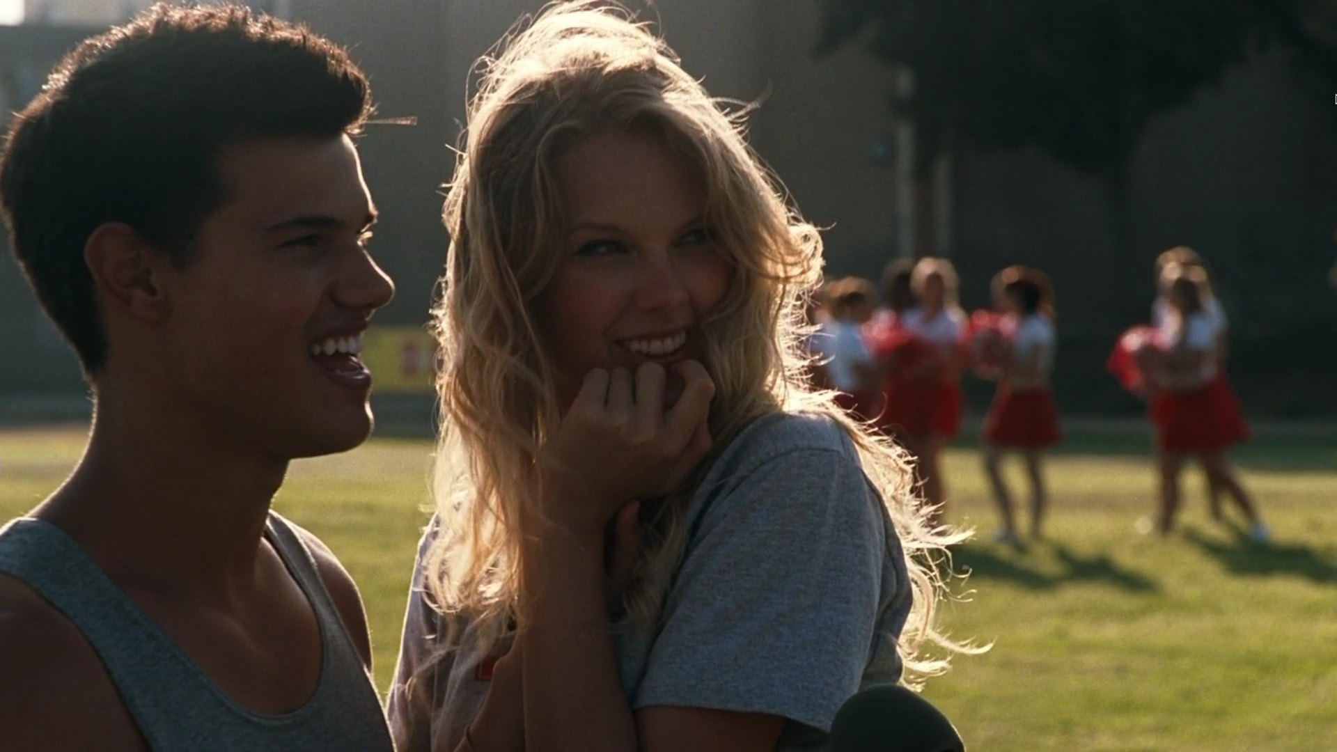 Taylor Lautner and Tay... Taylor Lautner Girlfriend