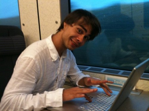 Alex in the train for Sweden =)