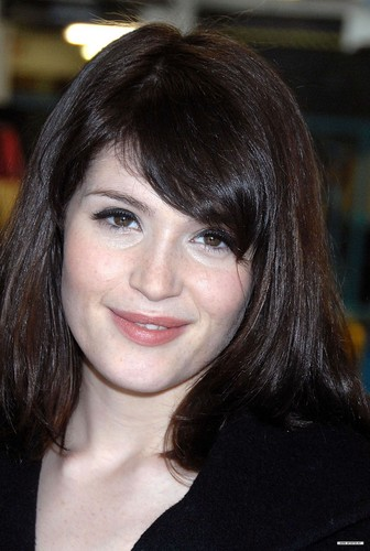 Gemma Arterton wallpaper entitled Candids of lovely Gemma