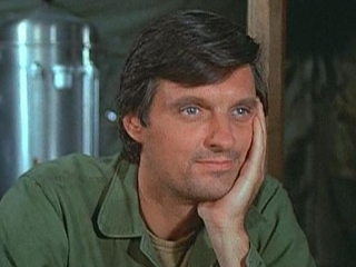 M*A*S*H* wallpaper entitled Captain Benjamin Franklin (Hawkeye) Pierce