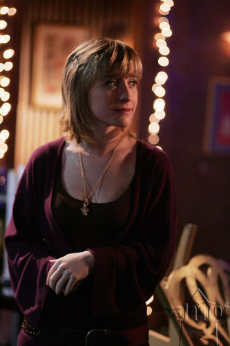Chloe Sullivan Smallville Tv Female Characters Photo