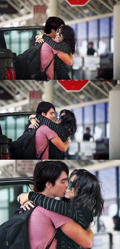 Jemi saying goodbye aww