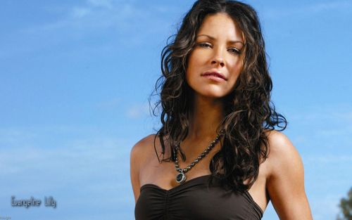 Kate Austen - LOST - tv-female-characters Wallpaper