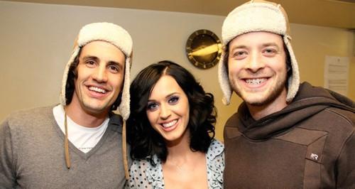 Katy at 104.1 2DayFM's Hamish & Andy mostra