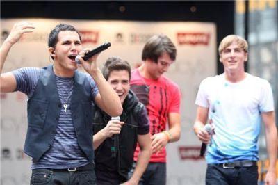 Kendall @ Macys Celebration সঙ্গীতানুষ্ঠান