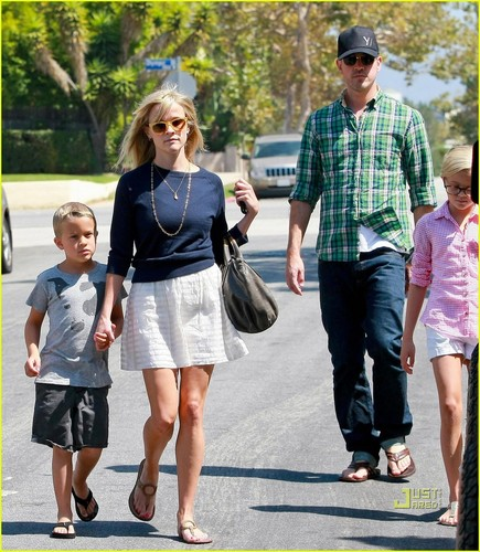 Reese Witherspoon: Church Service with Jim Toth!