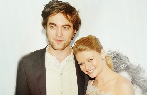 Robert Pattinson wallpaper called Rob & Emilie <3