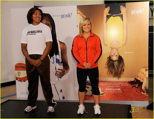 Shawn Johnson Refuels America, Debuts New got milk? Ad - shawn-johnson Photo