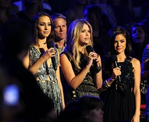 Troian, Ashley & Lucy 2010 Teen Choice Awards