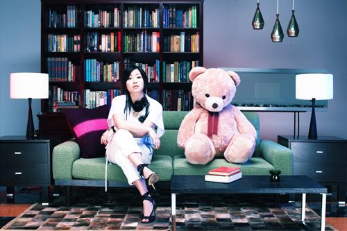 Utada Hikaru fondo de pantalla titled Ultra Blue Promos