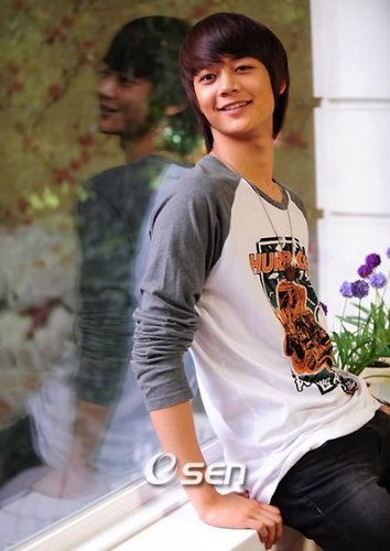 Choi Minho wallpaper entitled min ho