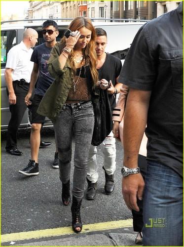 -Gorgeous Miley-