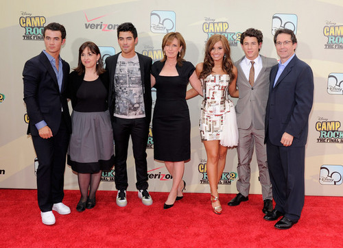 Demi @ NYC Premiere of Camp Rock 2: Final geléia, geleia