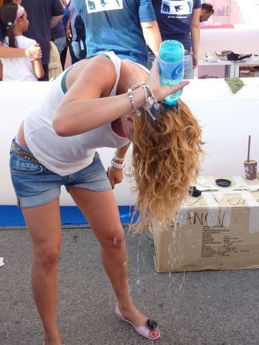 "Emma Marrone Обои entitled Emma ""Amici Tour Cagliari"""
