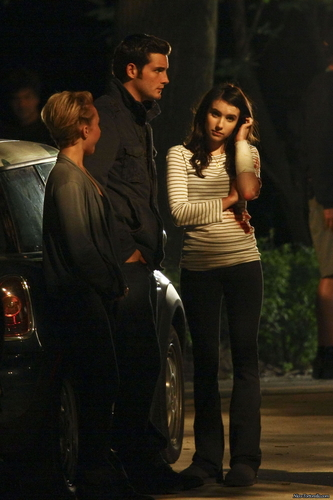 Emma Roberts on the set of Scream 4