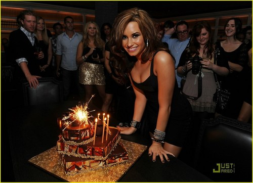 Happy 18th Birthday, Demi!