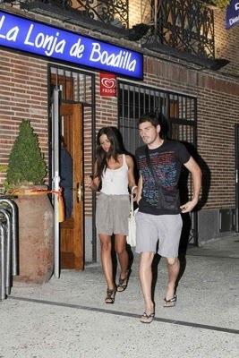 Iker y Sara Cenando(Augusto 2010)